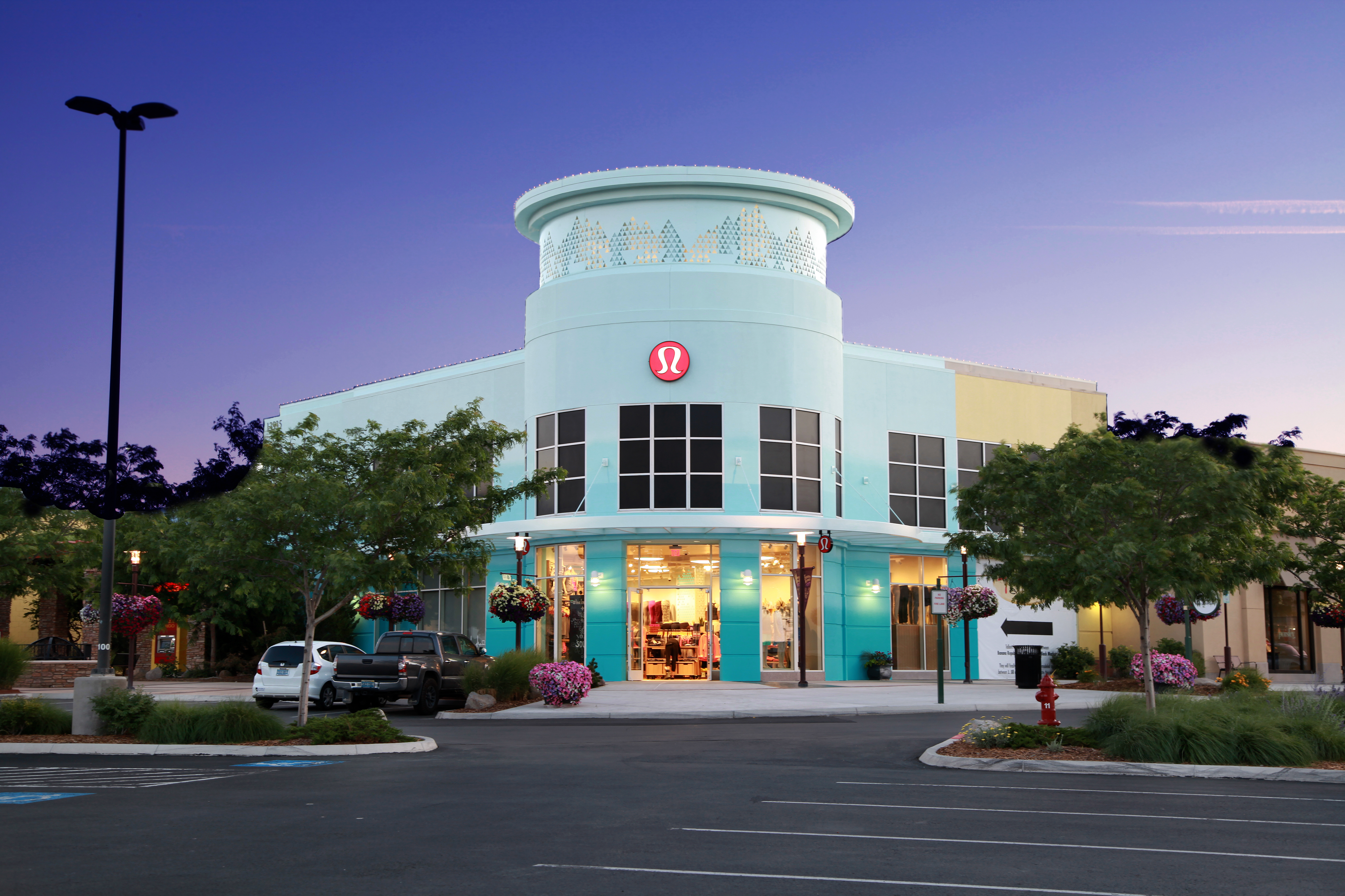 Summit Mall Stores >> Shop The Summit Reno